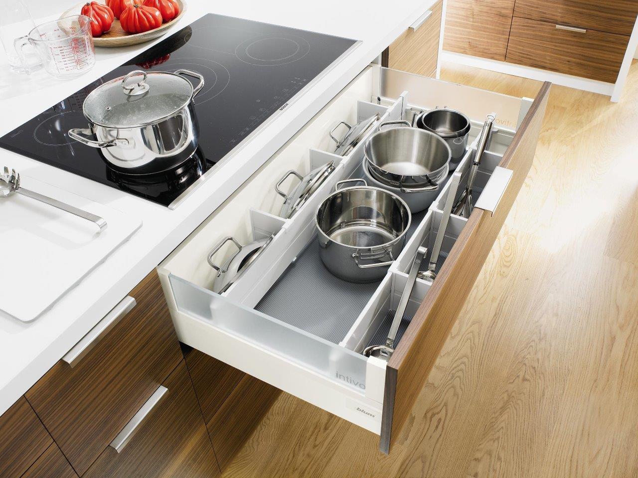 szuflada na garnki funkcjonalna kuchnia projektowanie kuchni kuchnia design projekty. Black Bedroom Furniture Sets. Home Design Ideas