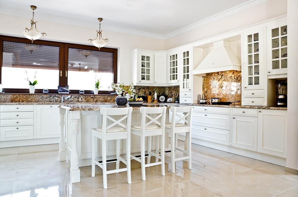 Biała kuchnia  Funkcjonalna kuchnia, projektowanie kuchni, kuchnia, design,   -> Biala Kuchnia Utrzymanie Czystości